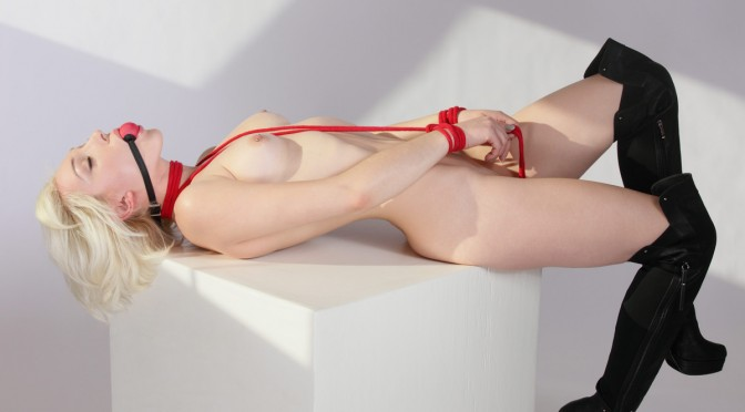 x-art_lilly_bound_and_beautiful_fhg-7-sml