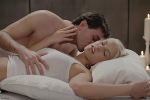 x-art_james_deen_barbie_rolling_in_the_sheets-4-sml