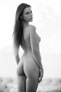 x-art_jessica_a_beautiful_place-10-sml