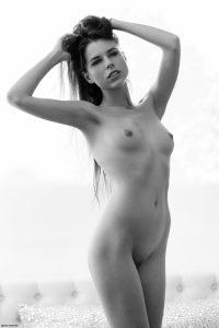 x-art_jessica_a_beautiful_place-9-sml