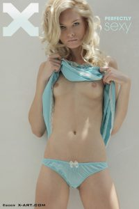 x-art_francesca_perfectly_sexy-1-sml