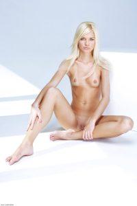 x-art_francesca_sexbox-2-sml