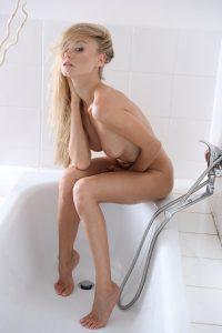 x-art_nancy_la_dreams_in_my_bath__the_big_o-17-sml