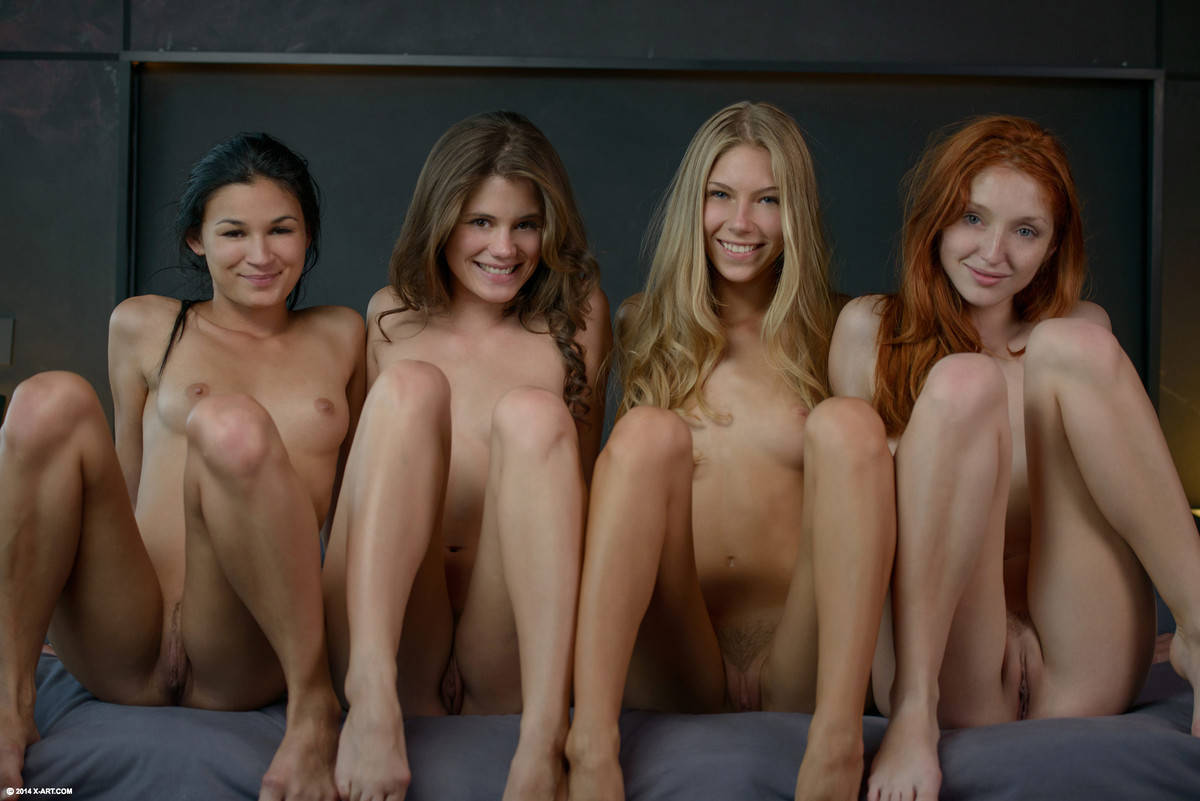 4 Lesbians Fucking x