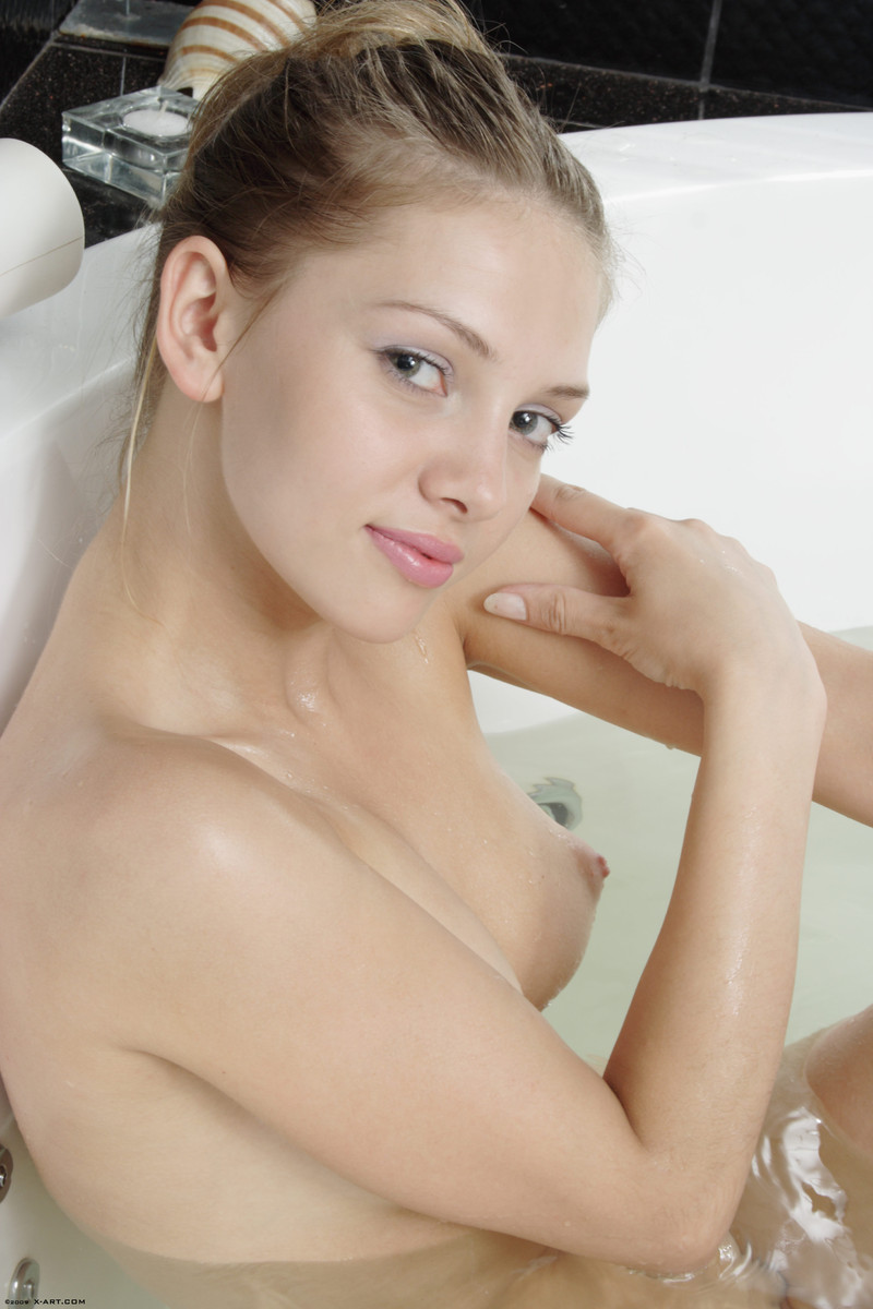 Amanda Lee Desnuda x-art bathing beauties amanda tasha | x-art pictures and